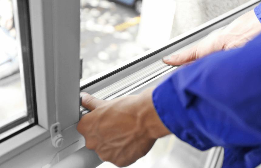 Wymiana uszczelki w oknie PVC